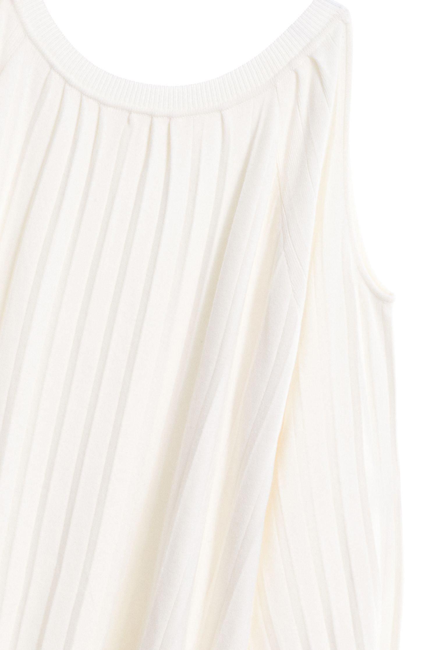 壓摺挖肩女人針織上衣,上衣,挖肩上衣,白色上衣,秋冬穿搭,針織,針織上衣,針織衫,長袖上衣,閨蜜春遊