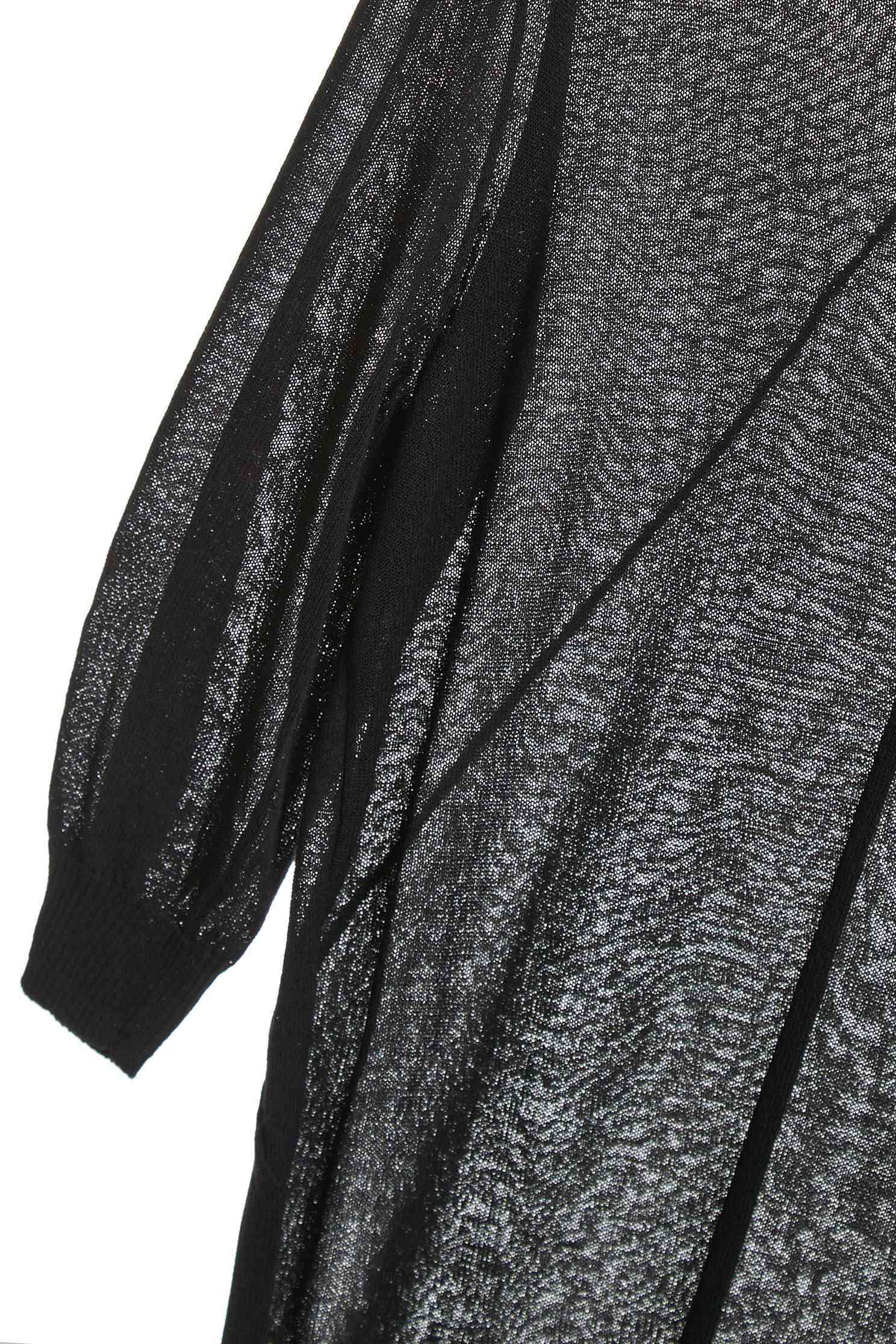 短袖針織上衣,上衣,五分袖上衣,圓領上衣,嫘縈,春夏穿搭,秋冬穿搭,紫醉金迷,透膚上衣,針織,針織上衣,針織衫,黑色上衣